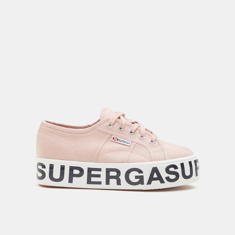 Sneakers Superga con maxi logo e suola